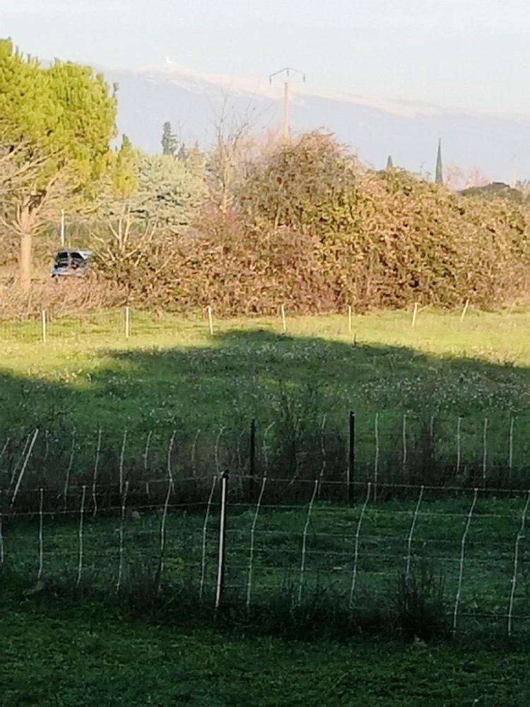 Aire camping-car à Monteux (84170) - Photo 1